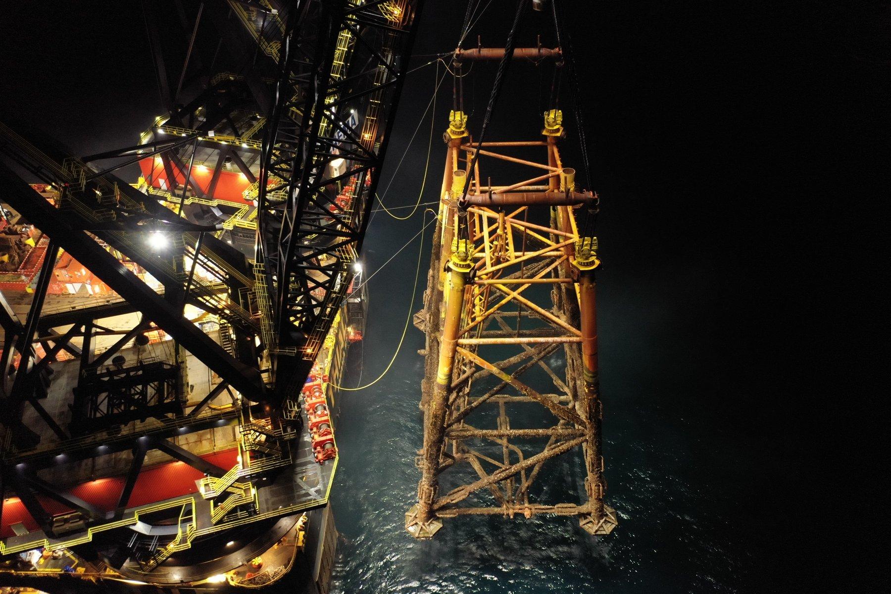 Sable Island Exxonmobil Heerema Decommissioning