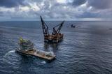 Thialf installs BP's Cassia Compression platform